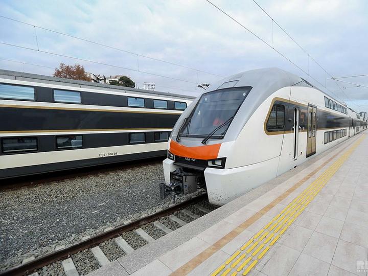 В Баку доставлены новые двухэтажные электропоезда - ФОТО - ВИДЕО