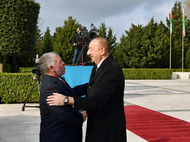 В Баку состоялась церемония официальной встречи Короля Иордании - ФОТО