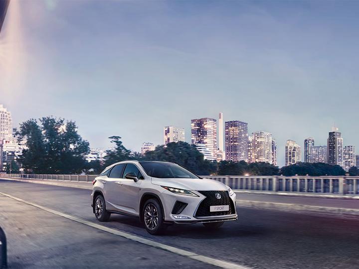 Yenilənmiş Lexus RX yeni standartlar yaradır – FOTO
