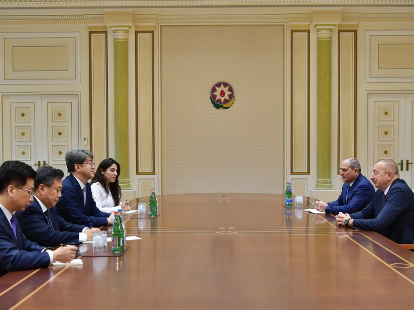Президент Азербайджана Ильхам Алиев принял делегацию во главе с председателем Комитета статистики Республики Корея
