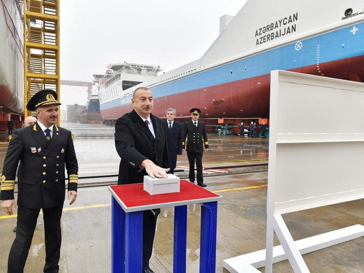 Ильхам Алиев принял участие в сдаче в эксплуатацию первого азербайджанского танкера - ФОТО