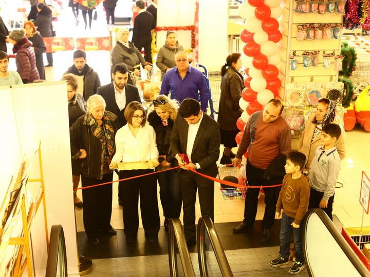 Bakıda 6500 kvadratmetrlik ev əşyaları mağazası açıldı - FOTO