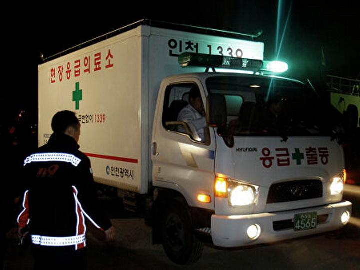 Шесть человек погибли в ДТП с десятками машин в Южной Корее - ФОТО