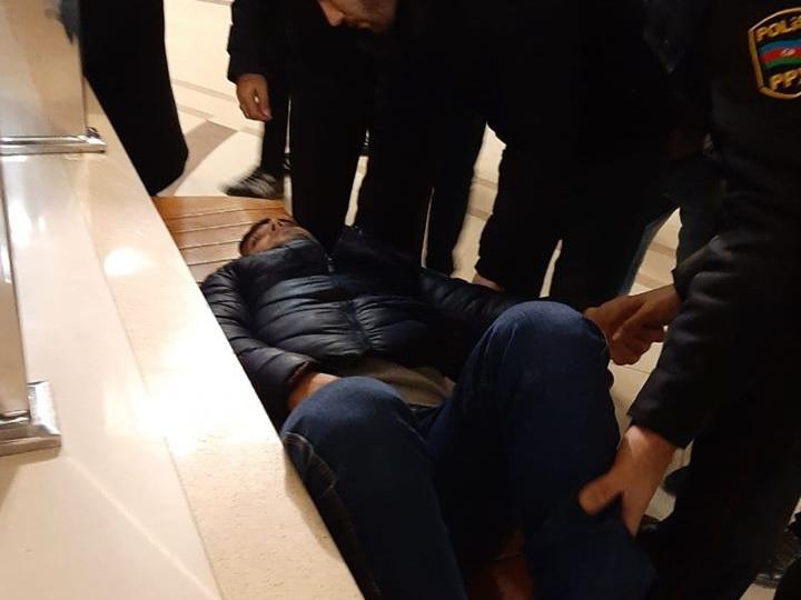 На станции «Азадлыг» молодой парень упал на рельсы – ФОТО