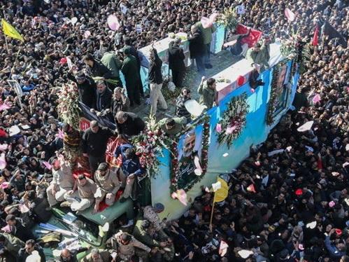 Так прощались только с Хомейни: В Иране завершились похороны генерала Сулеймани - ФОТО