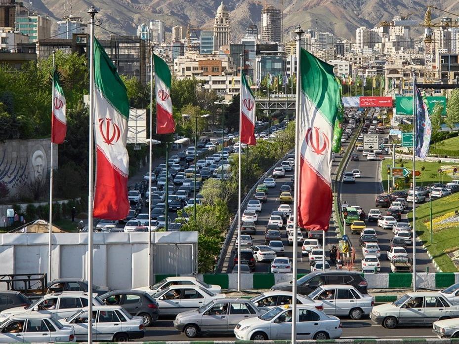 Тегеран рассматривает возможность высылки британского посла