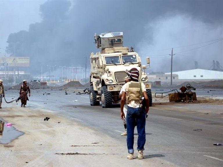 На юге Йемена неизвестный расстрелял людей в мечети