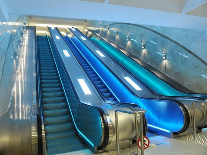На новой станции Бакметрополитена, которую откроют в 2020 году, устанавливают эскалаторы