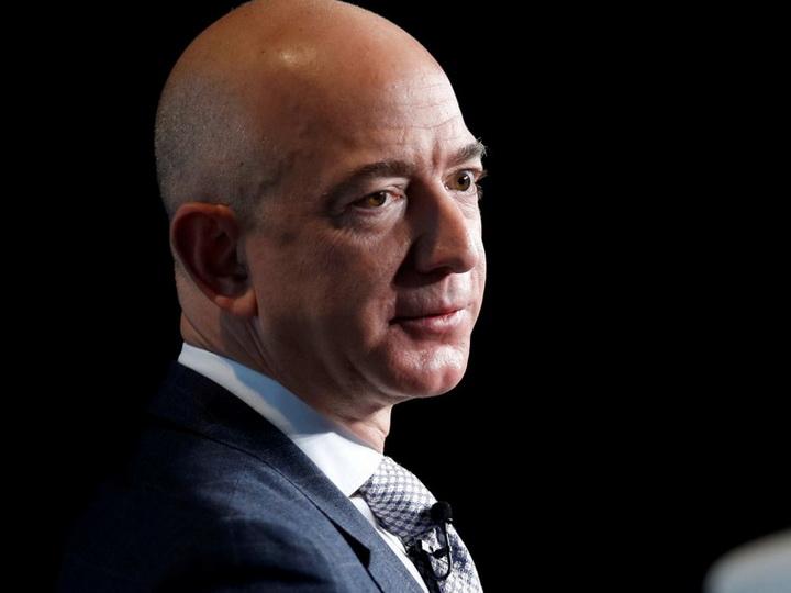 В списке богатейших людей мира впервые в 2020 году сменился лидер - ФОТО