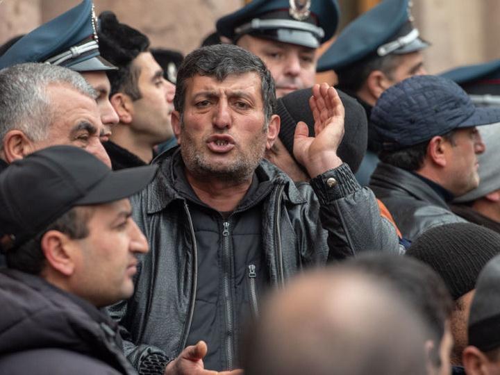 «Мясной бунт» и «ГАЗели смерти»: В Армении растет волна социального недовольства