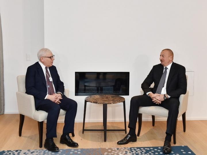 В Давосе состоялась встреча Президента Ильхама Алиева с соучредителем компании Carlyle Group
