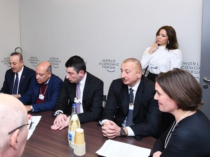 Prezident İlham Əliyev Dünya İqtisadi Forumu çərçivəsində keçirilən iclasda iştirak edib