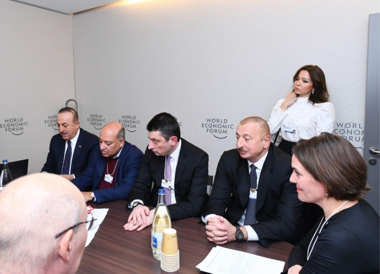 Президент Ильхам Алиев принял участие в заседании в рамках Всемирного экономического форума - ФОТО