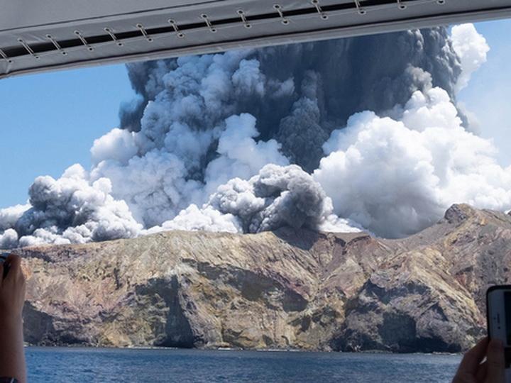 Число жертв извержения на Уайт-Айленде возросло до 20