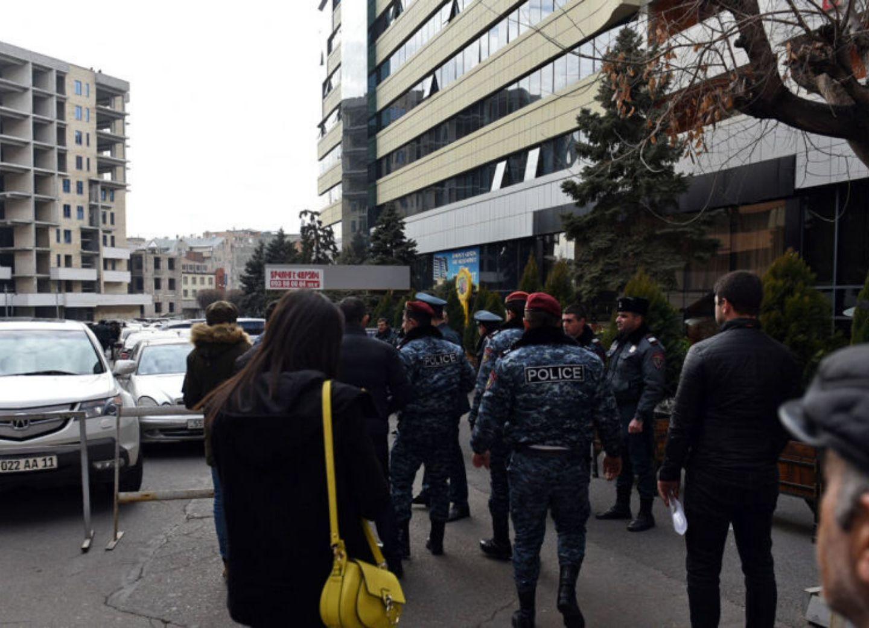 Спецназ обезвредил стрелка в Ереване – ФОТО- ОБНОВЛЕНО
