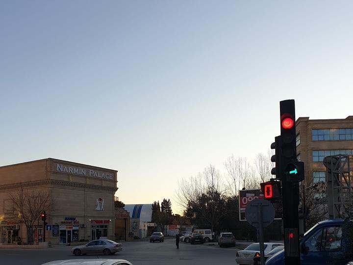 В работу бакинских светофоров внесены изменения, сокращающие пробки - ФОТО