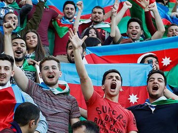 Проводится опрос среди футбольных болельщиков Азербайджана