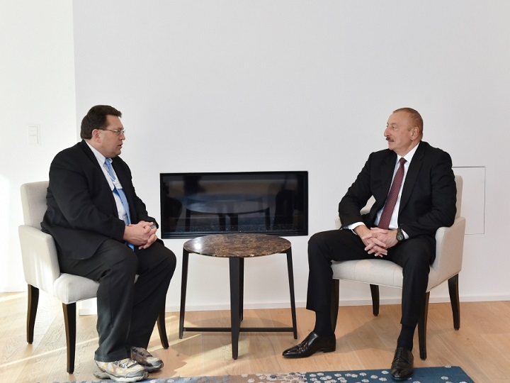 Prezident İlham Əliyev Montrö şəhərinin meri ilə görüşüb