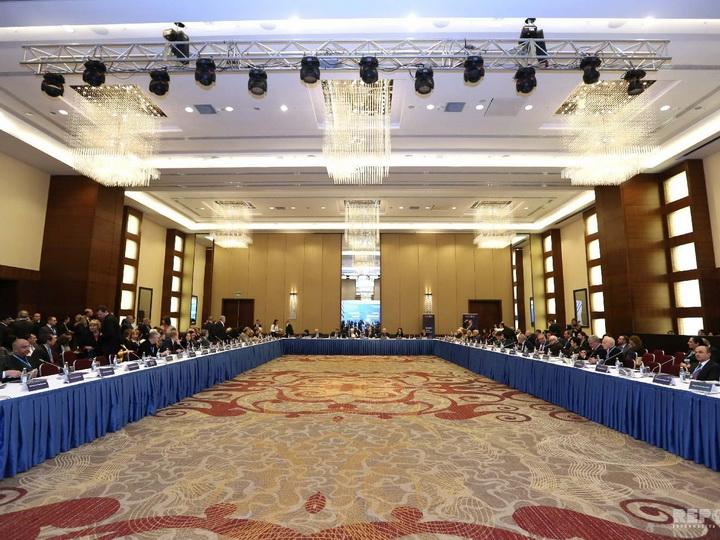 В Баку проходит конференция «Баку-Москва: Диалог культур»