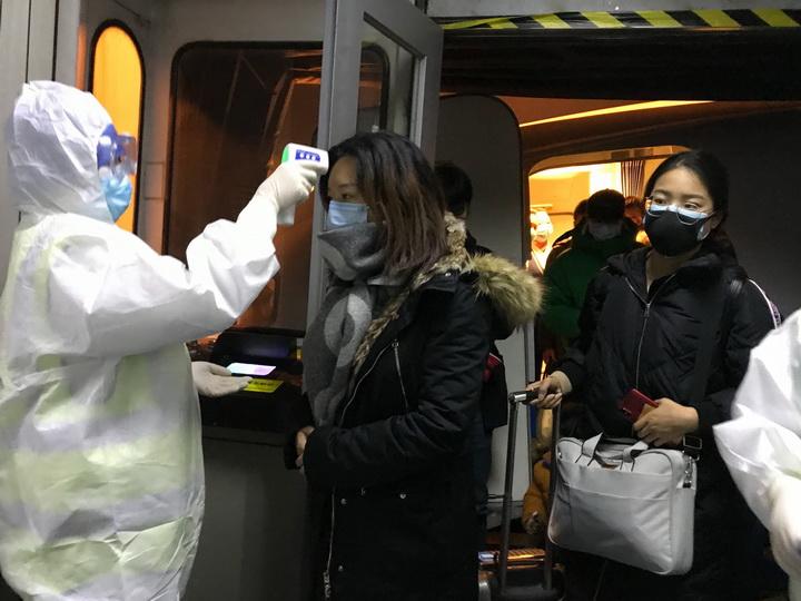 Медики о рисках заражения в Азербайджане новым смертоносным вирусом из Китая
