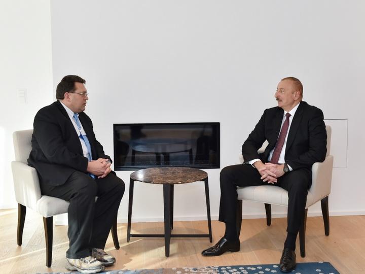 В Давосе состоялась встреча Президента Ильхама Алиева с мэром швейцарского города Монтре - ФОТО