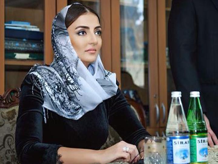 Кенуль Нуруллаева встретилась с аксакалами и верующими в мечети Шаха Аббаса в поселке Кешля – ФОТО – ВИДЕО