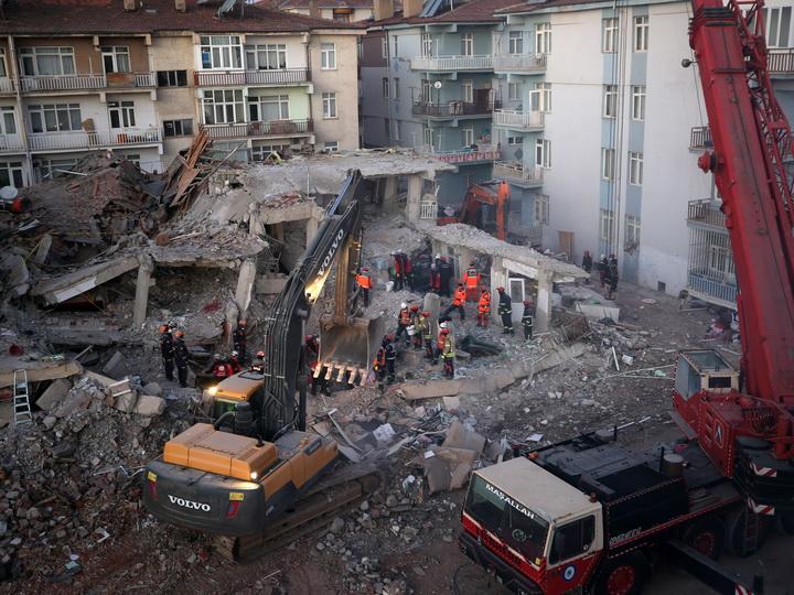 Минздрав Турции: Жертвами землетрясения стали 36 человек - ФОТО - ОБНОВЛЕНО