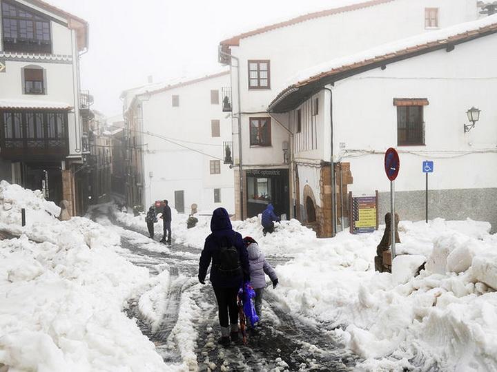 Жертвами холодного циклона в Испании стали 13 человек