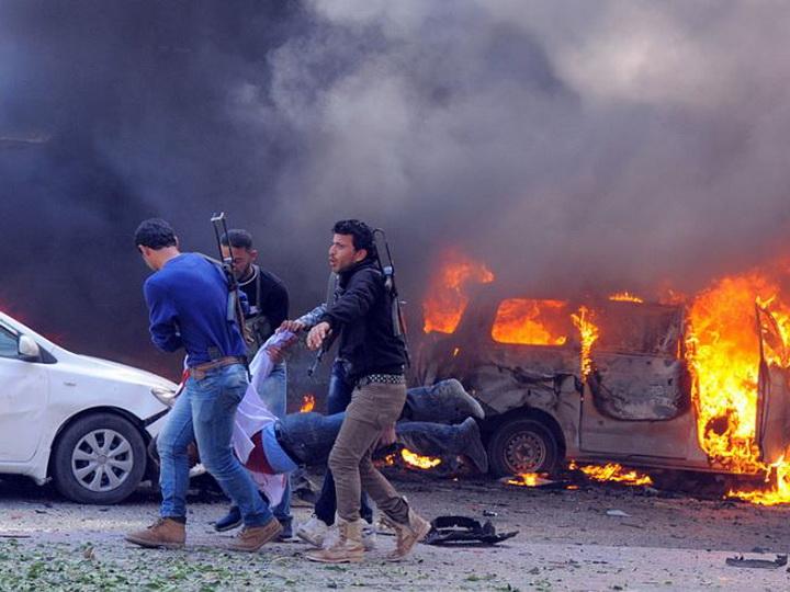 В Сирии при взрыве автомобиля погибли восемь человек