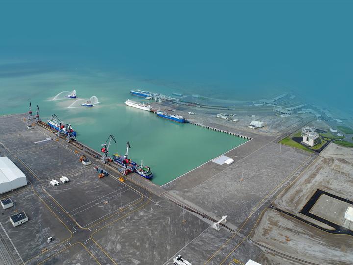 В прошлом году в Бакинском порту зарегистрированы рекордные показатели перевалки контейнеров и транспортных средств