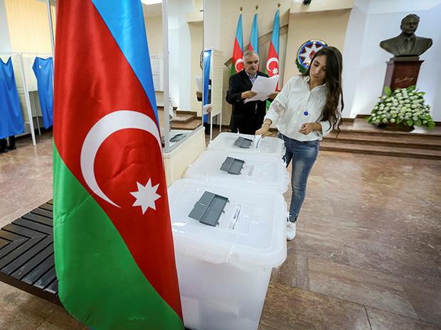 В Азербайджане начали печатать избирательные бюллетени для парламентских выборов