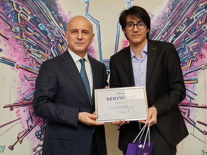 28 студентов удостоены почётного звания «Стипендиат Azercell»