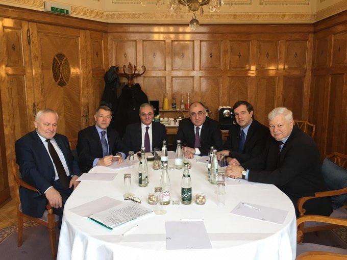 Главы МИД Азербайджана и Армении проводят переговоры в Женеве
