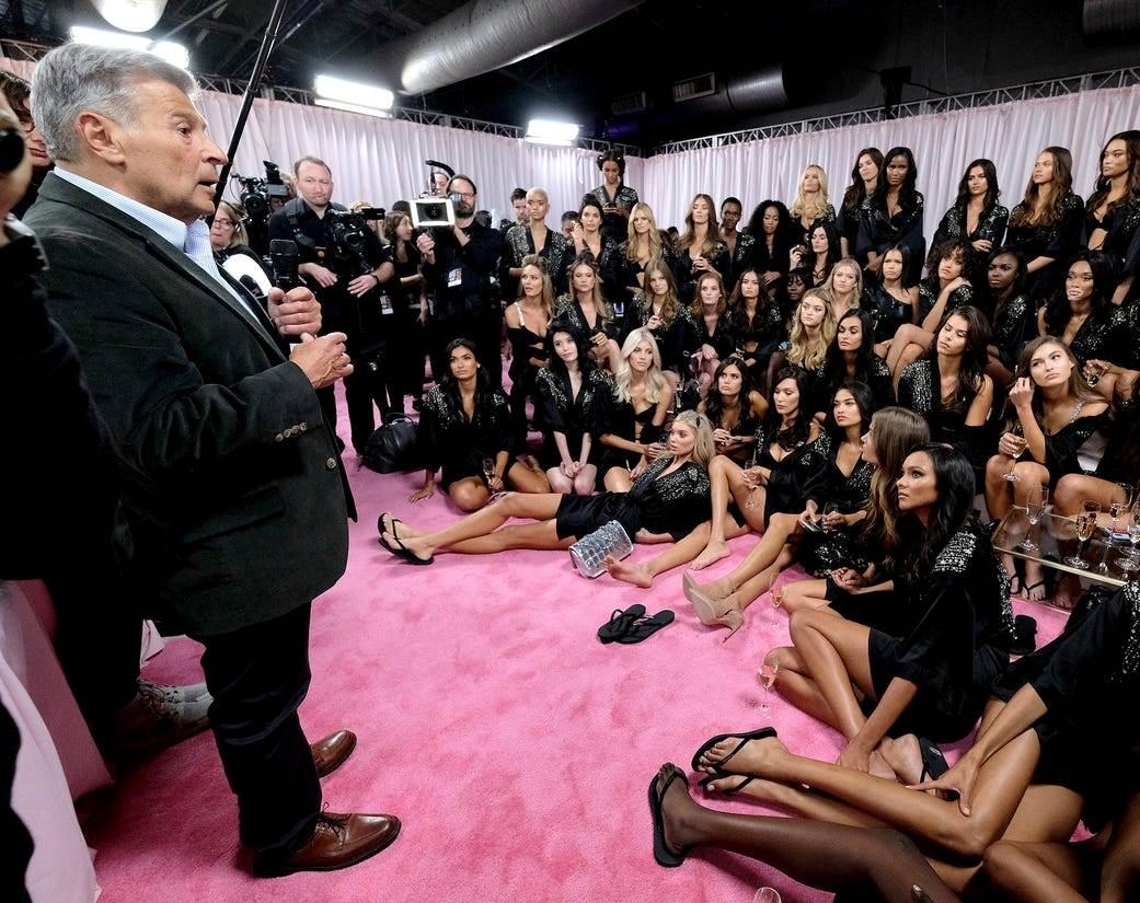 """Modellər """"Victoria's Secret""""ə qarşı birləşdi"""