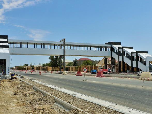 В Баку строятся 9 новых пешеходных переходов
