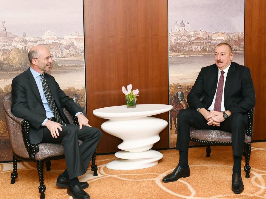 Ильхам Алиев встретился в Мюнхене с президентом и генеральным исполнительным директором Международной кризисной группы - ФОТО