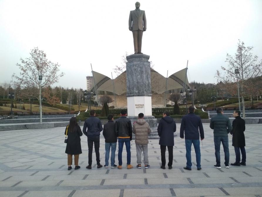 Эвакуированные из Китая из-за коронавируса азербайджанцы вернулись в Баку – ФОТО - ОБНОВЛЕНО