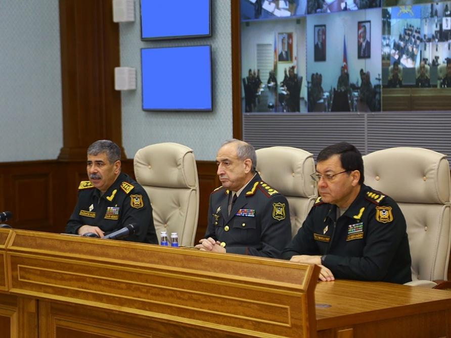 Министр обороны: В войсках учения и занятия должны проводиться в условиях, приближенных к реально боевым