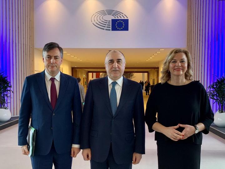 Эльмар Мамедъяров встретился с председателем комитета и постоянным докладчиком Европарламента по Азербайджану