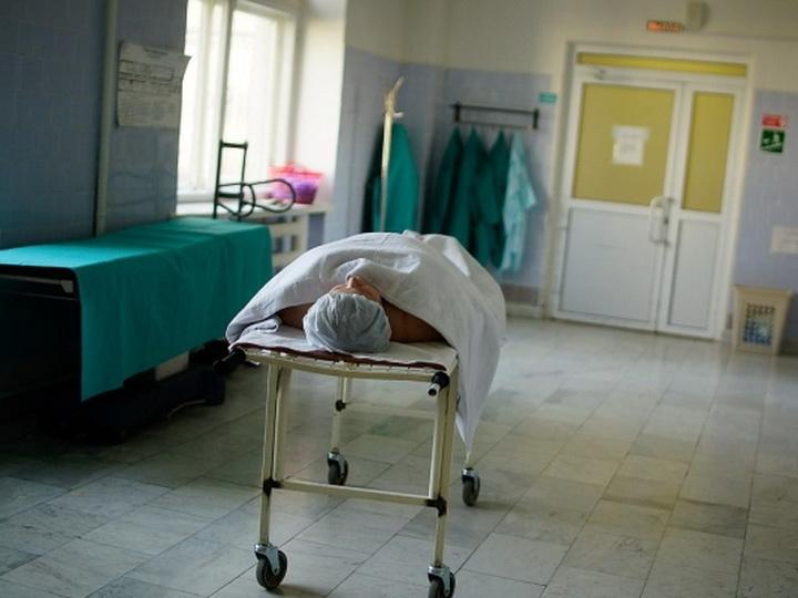 В бакинской больнице обокрали умершего пациента