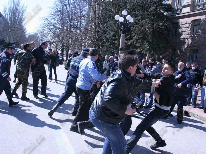 В Москве около 20 армян напали на троих азербайджанцев и одного чеченца