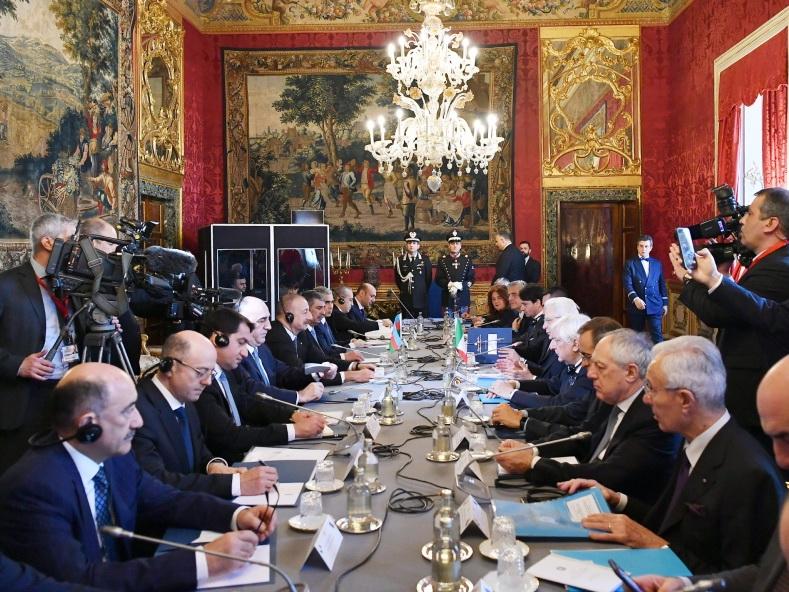 Состоялась встреча Ильхама Алиева и Серджо Маттареллы в расширенном составе