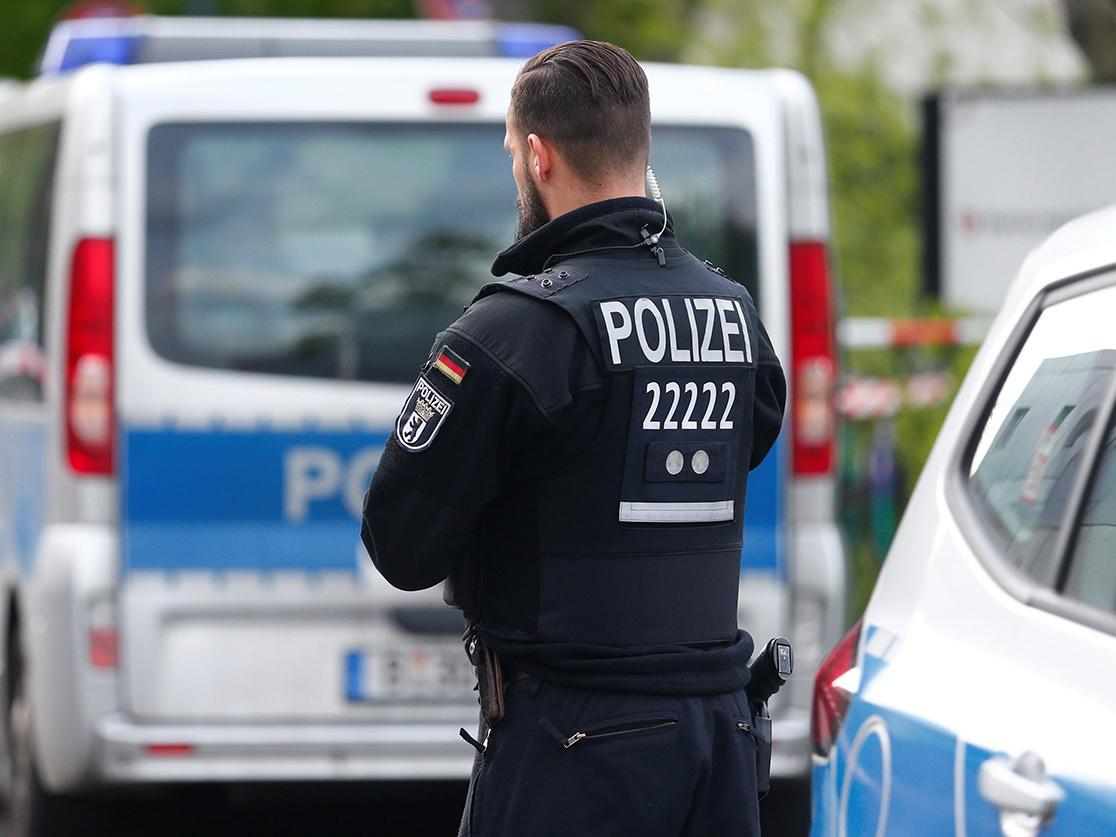 При стрельбе в кальянных в Германии погибли восемь человек