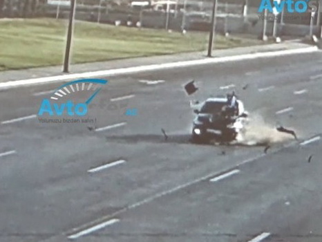 Как в Баку сбивают уборщиц на дорогах - ВИДЕО