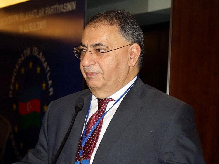 ЦИК аннулировал результаты голосования в ряде участков округа, где лидировал Асим Моллазаде