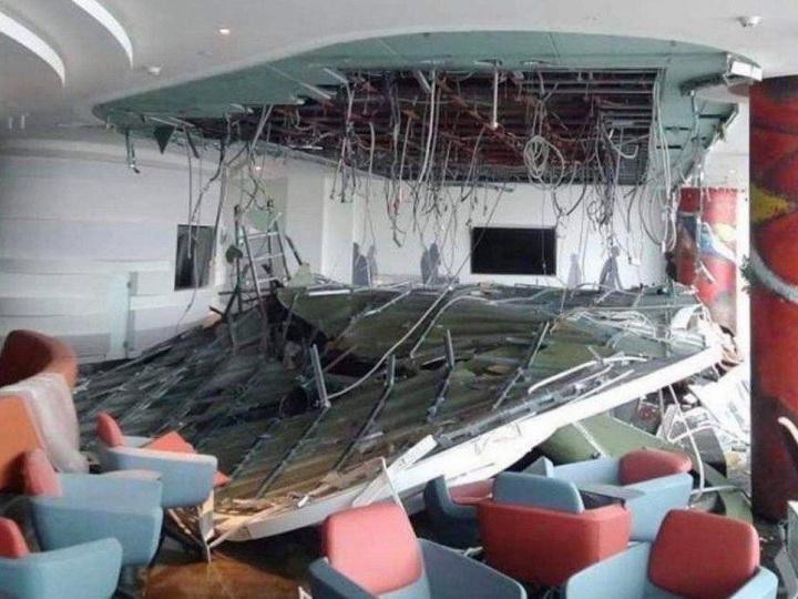 В аэропорту Шереметьево обрушился потолок