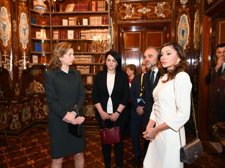 Первая леди Азербайджана Мехрибан Алиева ознакомилась с Квиринальским дворцом Италии - ФОТО