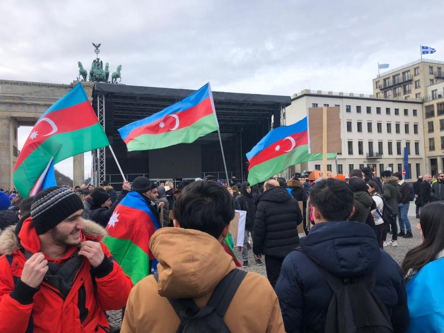 В Германии прошел Общеевропейский Карабахский митинг - ФОТО - ВИДЕО - ОБНОВЛЕНО
