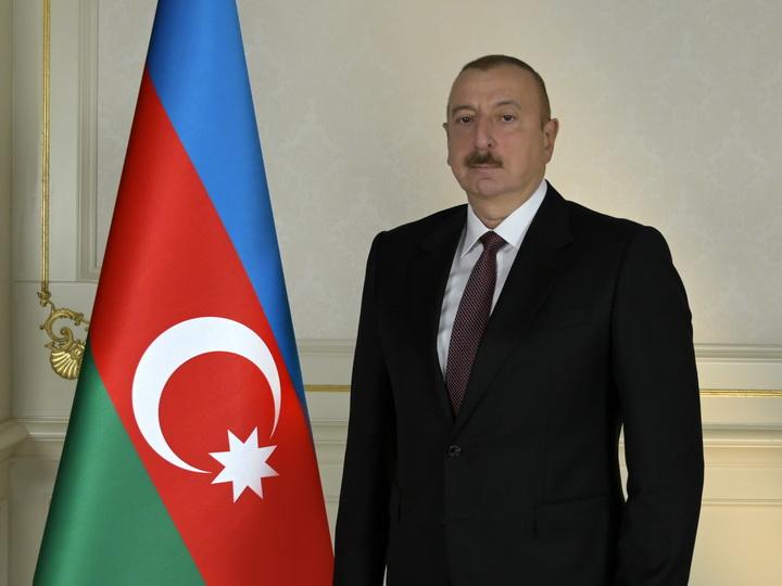 Президент Ильхам Алиев поздравил главу Эстонии