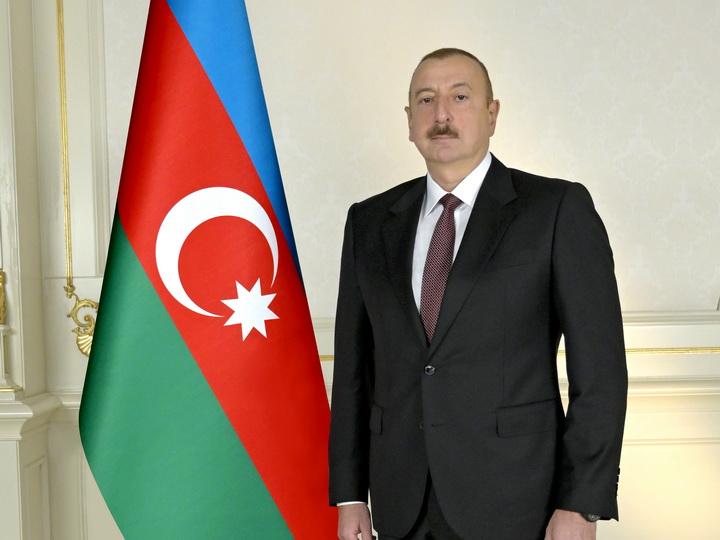 Президент Ильхам Алиев поздравил Императора Японии